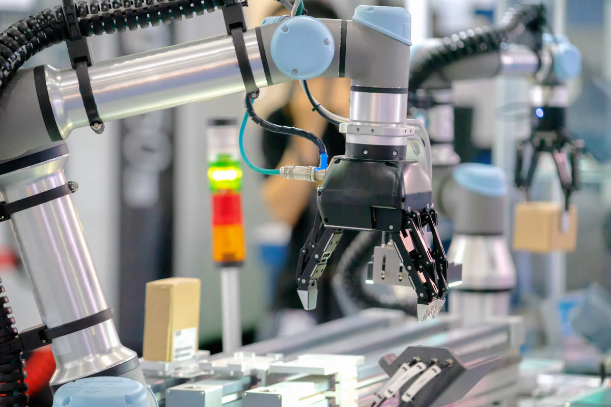 協働ロボットの作業風景